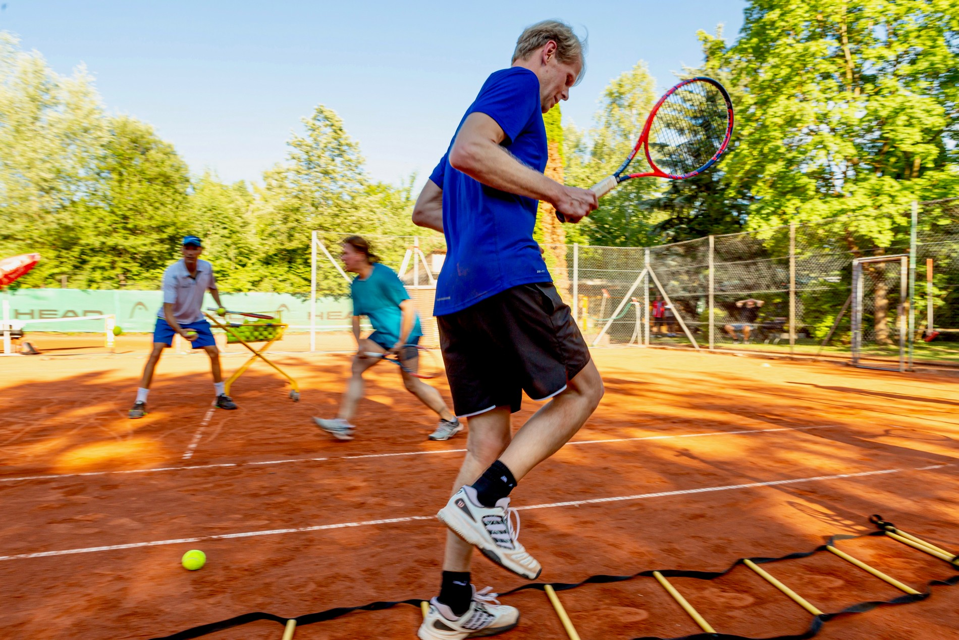 tenniscoMpany